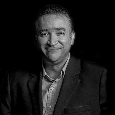 Adriano Neves | Executivo Sênior (Nível C) em Tecnologia da Informação e Gerenciamento de Projetos. Atuou como revisor do PMBOK 6a Edição (PMI 2017).