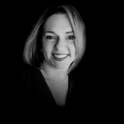 Ana Macitelli | Executiva Sênior com experiência internacional, que atua na área de Customer Experience (CX), Estratégia, Marketing e Transformação Digital.