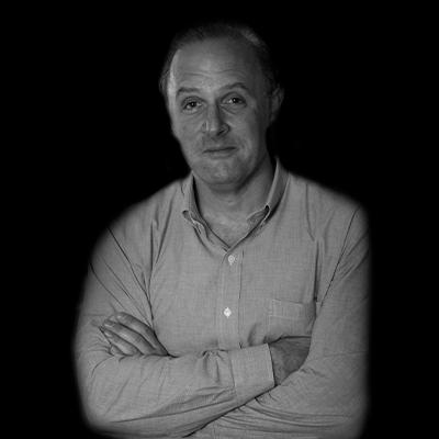 Antonio Newton Licciardi Jr | Antonio Newton Licciardi Jr é professor e soma mais de 32 anos de experiência em diversas áreas da engenharia.