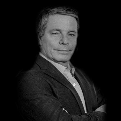 Antonio Paulo Terassovich | Mestre em Administração PUC-SP, pós-MBA e MBA FIA-USP, pós FGV-CEAG, graduação em Engª Civil, POLI-USP e Erickson College Certified Professional Coach voltado para Coaching Executivo.