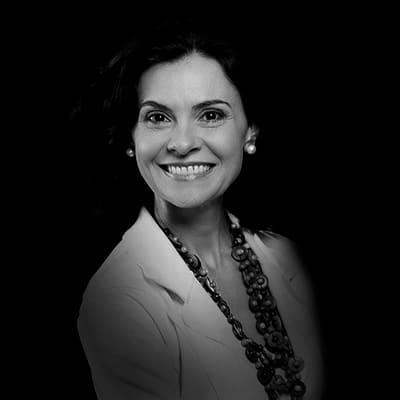 Carolina Torres Graça | Gerente de Contas na Fundação Earthworm, engenheira Agrônoma pela USP, mestre e doutora pela FEA-USP.