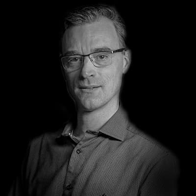 Dante Mantovani | Atua como executivo de RH em empresas como Gradiente, Ernst & Young e Grupo CCR.MBA. Mestre em Administração pela FEA-USP.