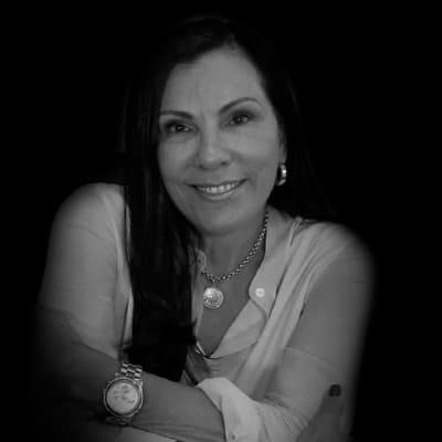Denise Lustri | Diretora da Cohros. Especialista em Gestão Estratégica de Pessoas, Desempenho e Competências. Mestre em Administração pela FEA-USP.