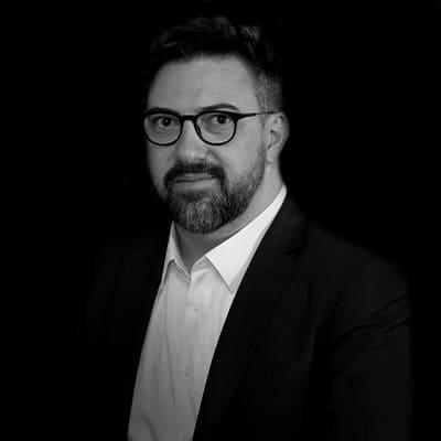 Diego Bonaldo Coelho | Professor, Consultor e Pesquisador, tendo ampla experiência em negócios internacionais. Doutor em Administração pela FEA-USP.