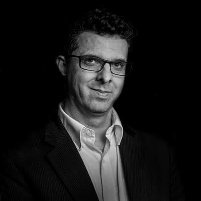 Edson Ricardo Barbero | Professor e Consultor. Doutor em Administração pela FEA/USP. Desenvolveu projetos para Samsung, Microsoft, Intel, LG, Dell, Google, entre outras.