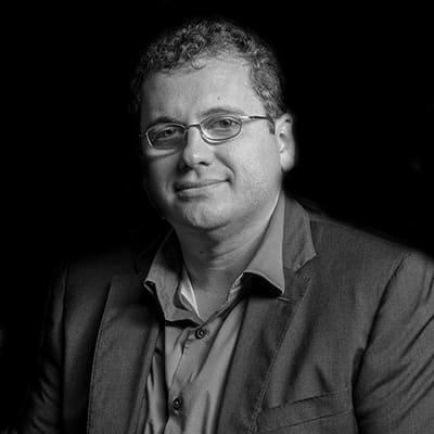 Edson Carlos Germano   Professor e Consultor de projetos na FIA. Mestre e Doutorando em Administração pela USP.