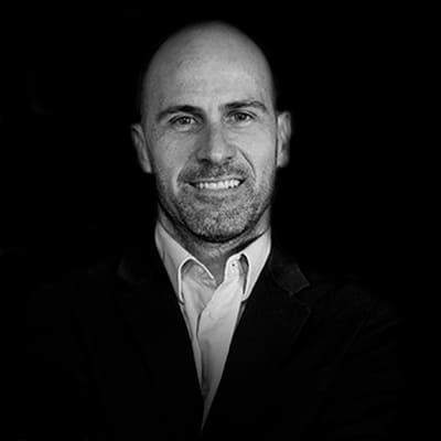 Eduardo Muniz | Fundador e CEO da Simplie, uma consultoria e agência de marketing digital com sede no Brasil e escritórios em diversos países da América Latina.