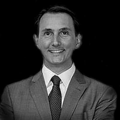 Fernando Pellenz | Mestre em Agronegócios pela UFRGS. Visiting researcher na University of Missoury (Columbia MO). Master of Laws (LLM) em Direito nos Negócios pela Unisinos e Bacharel em Direito.