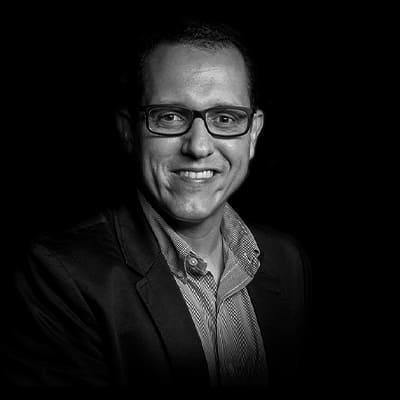 Marco Antônio Conejero   Economista, Doutor em administração pela FEA-USP e pesquisador-visitante da Howard University, em Washington DC.
