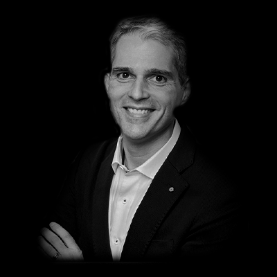 Marcos Baptistucci | Professor e  Diretor de Recursos Humanos