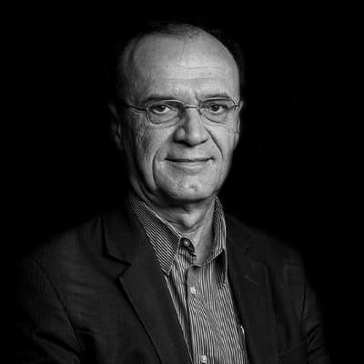 Nivaldo Tadeu Marcusso | CIO na Fundação Bradesco por mais de 17 anos, há mais de 18 anos lidera e gerencia projetos de inovação, operação de TIC, BPM, PPM.