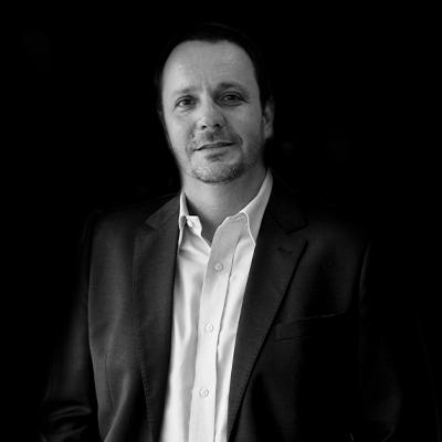 Roberto Fava Scare | Doutor e Mestre em Administração pela FEA/USP