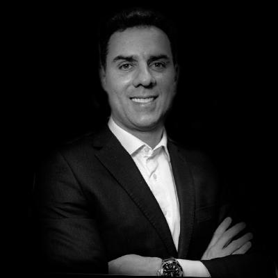 Rolf Neubarth   Mestre em administração, executivo da área de tecnologia e professor.