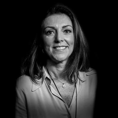 Simone Renzo   Diretora de Novos Negócios no Mundo Financeiro, atuou em diversas atividades da área com destaque para FP&A, operações de financiamento empresarial.