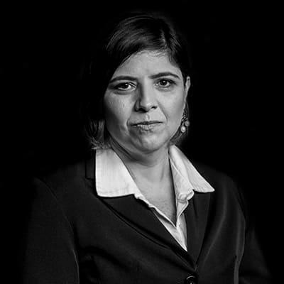 Tatiana Almendra Dutra | MBA em Administração pela FIA/FEA/USP, pós-graduação em Consultoria de Carreiras pelo PROGEP/FIA.