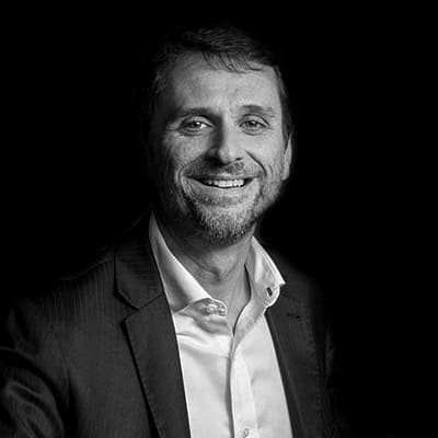 Wellington Lopes de Souza | Consultor Financeiro e Professor. Executivo com ampla experiência em grandes bancos. Mestre em Administração.