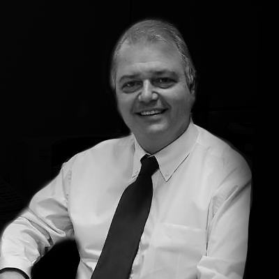 Wilson Micelli | Consultor de Empresas na área de Risco de Mercado e Mestre em Ciências Contábeis.