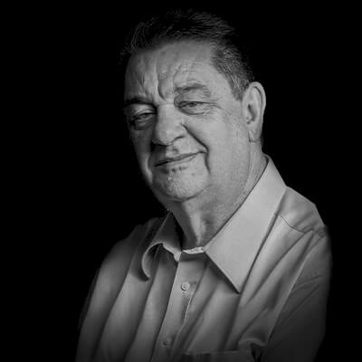 Antonio Cesar Amaru Maximiano | Bacharel, Mestre e Doutor em Administração pela USP, teve entre seus projetos de capacitação de pessoas organizações como Alstom, Itaú/Unibanco, Petrobras