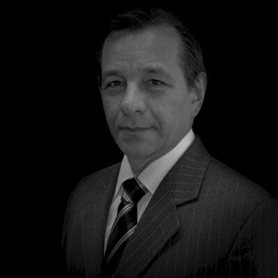 José Roberto de Araújo Cunha Junior | Executivo nas áreas de Relações Institucionais